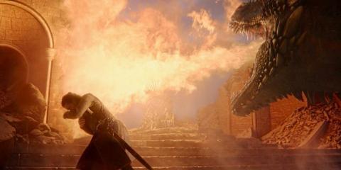 Drogon destruye el Trono de Hierro en la serie Juego de Tronos