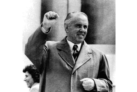 Enver Hoxha, dictador de Albania entre 1944 y 1985