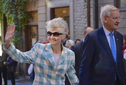 La eurodiputada moderada sueca Anna Maria Corazza Bildt junto a su marido, el exprimer ministro sueco Carl Bildt