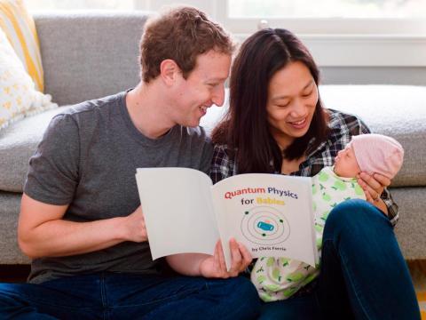 Zuckerberg y su mujer Priscilla Chan con su hija mayor Max.