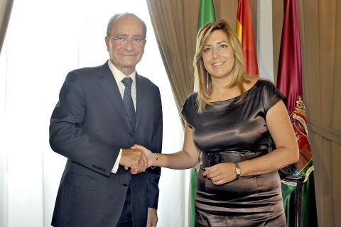 Francisco de la Torre, alcalde de Málaga, junto a Susana Díez.