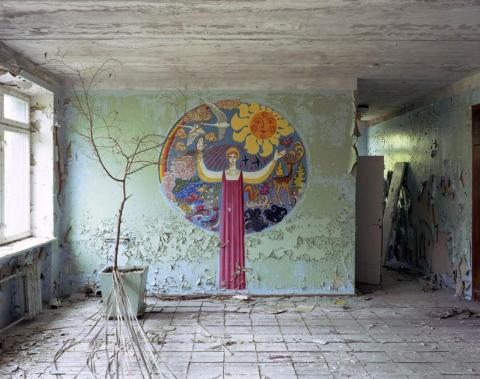 Mural, pasillo de la escuela, Pripyat, 2003.