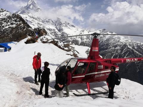 helicoptero en la cima
