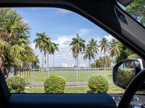 No se me permitía salir del coche y caminar alrededor de la isla, así que hice fotos a través de las ventanas.
