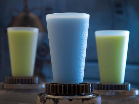 Por último, pero no menos importante, por supuesto que está la leche Azul y Verde.