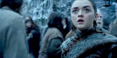 Maisie Williams como Arya Stark en un avance de Juego de Tronos.