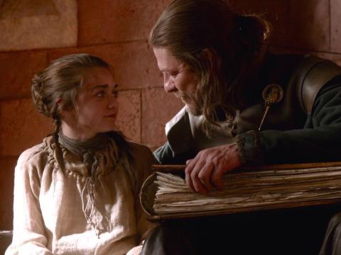 Ned y Arya Stark en la T1 de Juego de Tronos