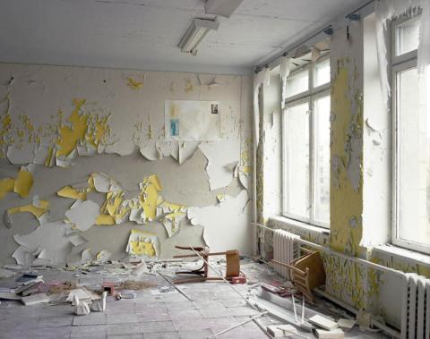 Esquina de un aula, Pripyat, 1998.