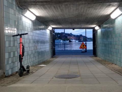 Un patinete de Voi en Estocolmo.