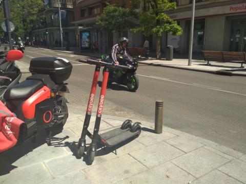 Patinetes eléctricos compartidos de Citybee en Madrid.