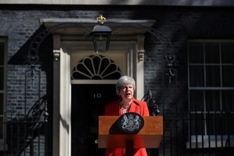 La primera ministra de Reino Unido, Theresa May, anuncia su dimisión