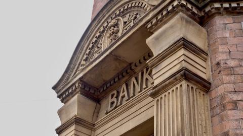 Puerta de un banco