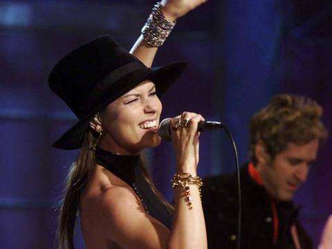 Shania Twain actuando en 2003.