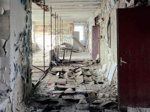 Pasillo de colegio, Pripyat, 2004.