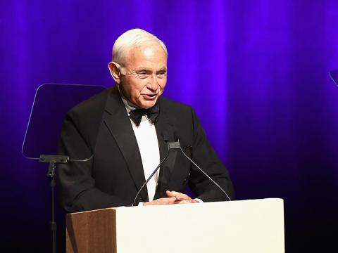Wexner turned Raymond's vision on its head, creating a store that was focused on women rather than men.