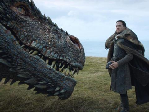 Jon Snow y Drogon en la temporada séptima.
