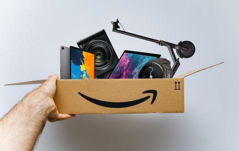 Caja de Amazon llena de compras de productos