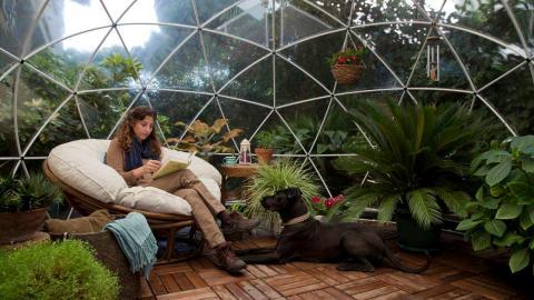 Amazon está vendiendo una cúpula para el jardín ideal para acampar