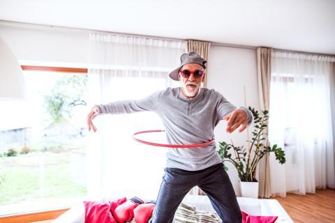 Anciano, viejo, persona mayor, jubilado feliz