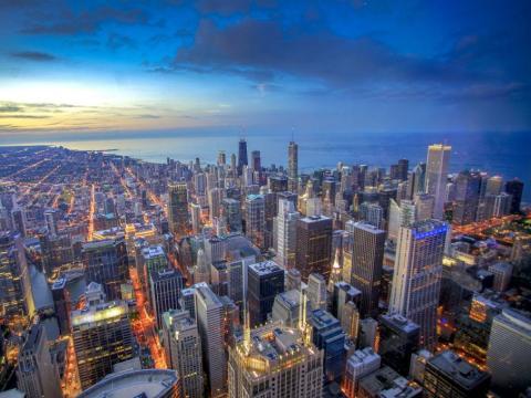 En la famosa Willis Tower de Chicago se puede ver el skyline desde el centro de la ciudad