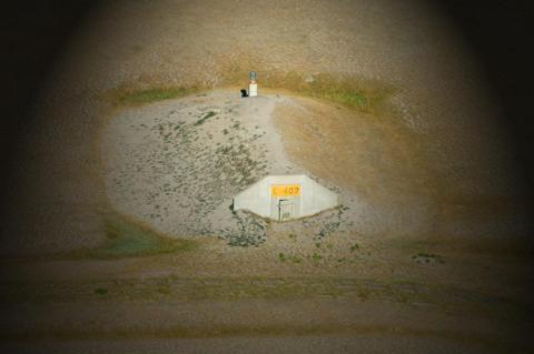 La ubicación del complejo cerca de las Colinas Negras de Dakota del Sur lo hace relativamente seguro contra inundaciones y ataques nucleares, según Vivos