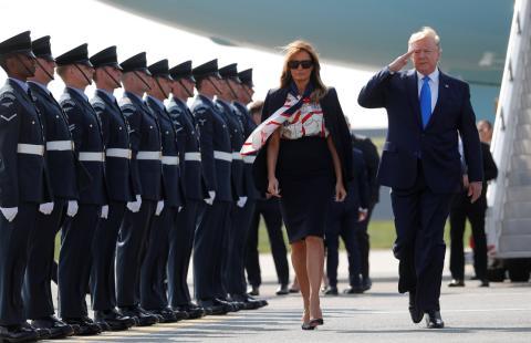 Donald Trump y Melania Trump, a su llegada al aeropuerto de Stansted