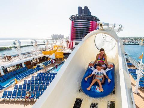 De acuerdo a más de 30.000 reviews en cruiseline.com, Royal Caribbean es el favorito.