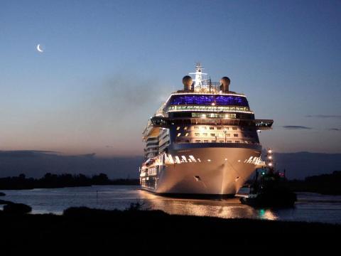 Cruise Critic recomienda que los pasajeros opten por la manera automática porque así tendrán una cosa menos de la que preocuparse.