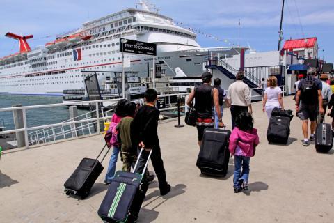 Puede llevar varias horas volver a tener tu maleta en tu camarote.