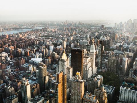 El edificio Empire State es posiblemente el rascacielos más emblemático de la ciudad de Nueva York.
