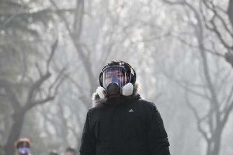 La exposición al aire contaminado puede desencadenar asma