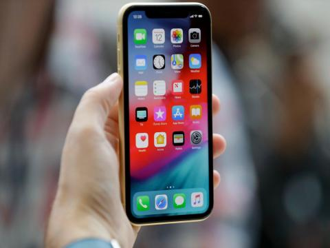 Family members can automatically connect to your iPhone's hot spot