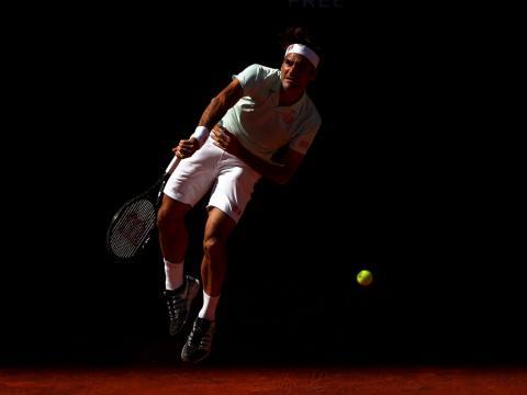 Federer saca desde la oscuridad en el Masters de Madrid 2019