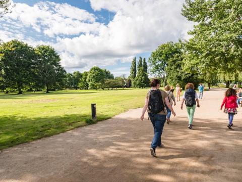"""La """"zona verde"""" hará más sencillo viajar por la ciudad entre parques y jardines."""