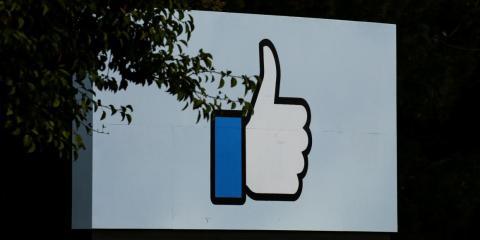 Facebook se ha visto obligado recientemente a lidiar con lo que hay que hacer con las falsificaciones en su plataforma.