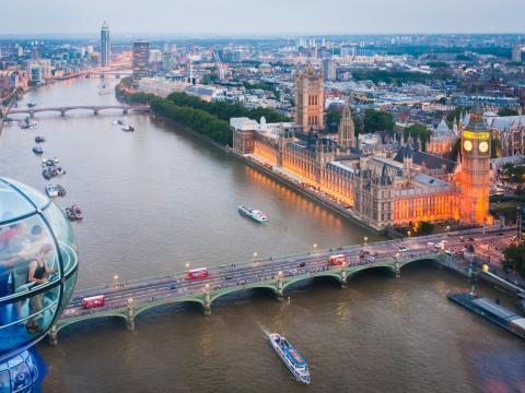 El London Eye es la noria más conocida del Reino Unido. Con una altura de 135 metros, era la más alta del mundo cuando se inauguró en el año 2000.