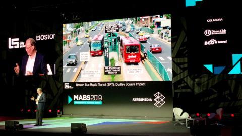Un ejemplo de solución del transporte público, según Kent Larson, en el MABS 2019.