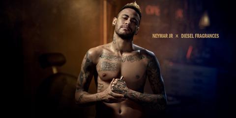 Neymar en un anuncio de la colonia de Diesel que lleva su nombre