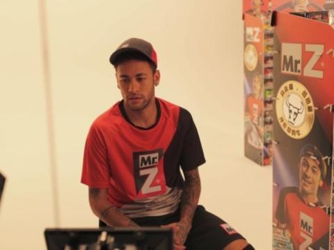 Neymar durante una campaña de Mr. Z en China
