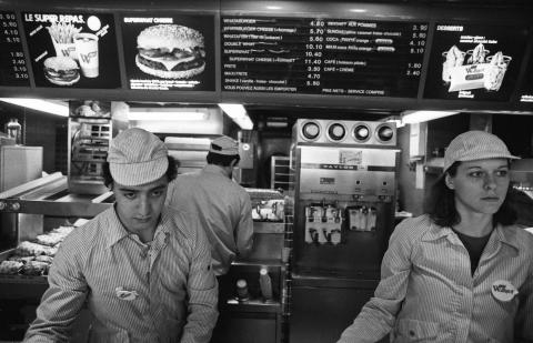 This photo was taken in 1982, two years after the first Burger King opened in France. Although the stripes look drab in this black-and-white photo, they were actually a bright, eye-catching red. Until recently, Burger King