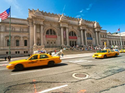 Muchos museos estadounidenses prohíben los trípodes y los 'palos selfie'