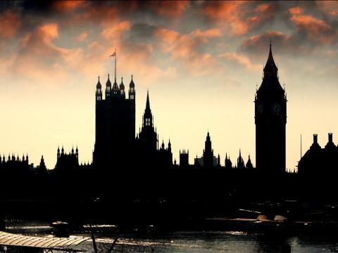 El Trident es el programa nuclear del Reino Unido: cubre la construcción, adquisición y funcionamiento de armas nucleares en el Reino Unido.