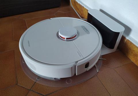 Roborock S6 cargando base