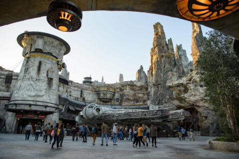 Star Wars: Galaxy's Edge is likely to cause some big crowds at Disneyland and Disney World this summer.