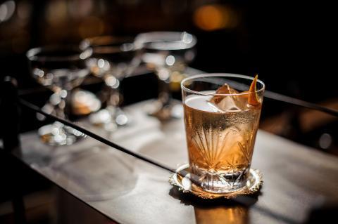 Un vaso de whisky.
