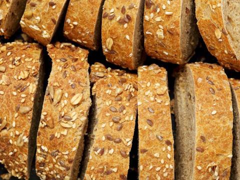 Puedes comer pan, arroz, avena, y más.