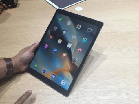 En iPad al fin se podrán ver los progresos en las descargas de archivos.
