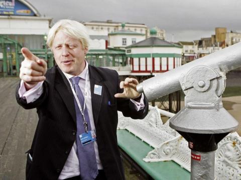 En 2004, Johnson mintió acerca de un romance extramatrimonial y Michael Howard le despidió.