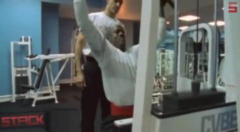 A sus 55, sigue entrenando. En 2013, declaró que iba a bajar su peso de 99 de kilos. No se sabe si lo ha logrado, pero considerando su competitividad, parece posible