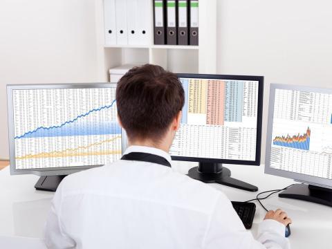 Un analista trabajando